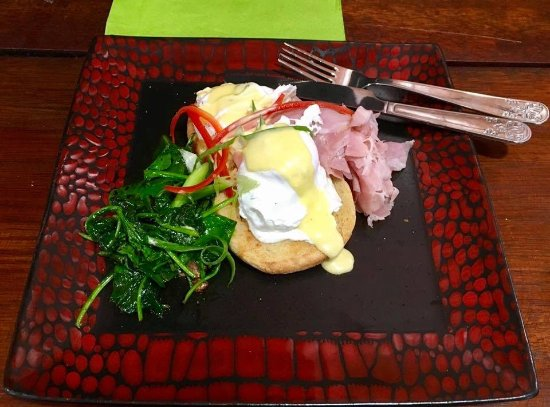 Halls Creek, Australia: Eggs Benedict.