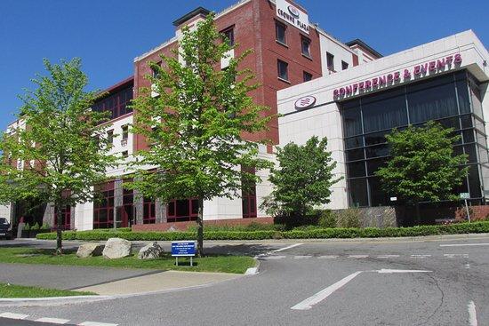 Crowne Plaza Hotel Dublin Airport Parking