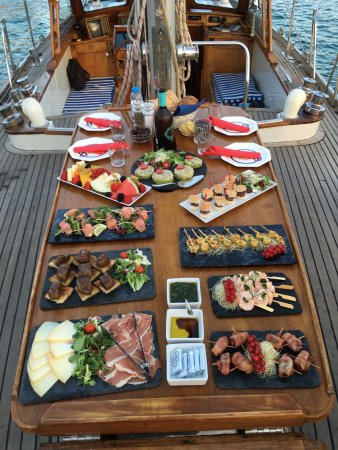 Vita Bel II: Our 'Gourmet' tapas menu available as an option for the 3 hour sunset tour