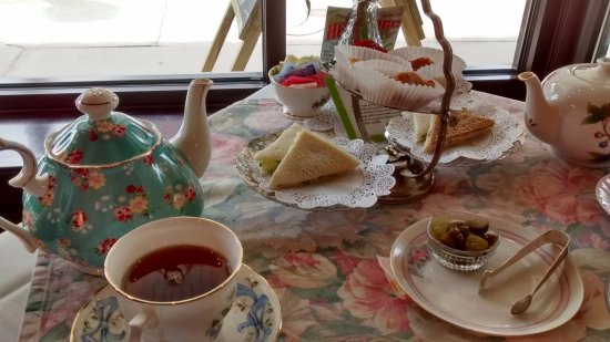 Adrian, MI: The Governor Croswell High Tea