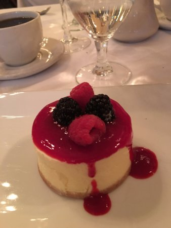 Hotel Wales: Dessert at Sarabeth's
