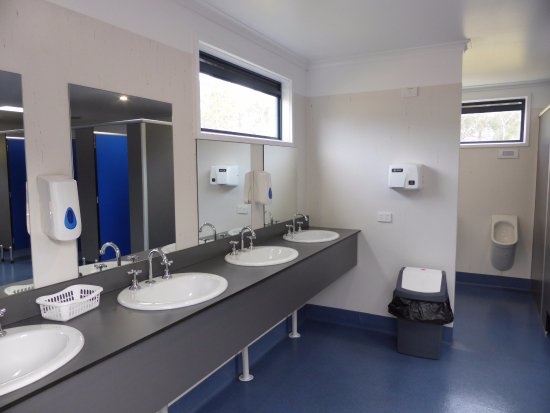 Wangaratta, Australia: Men's Amenities