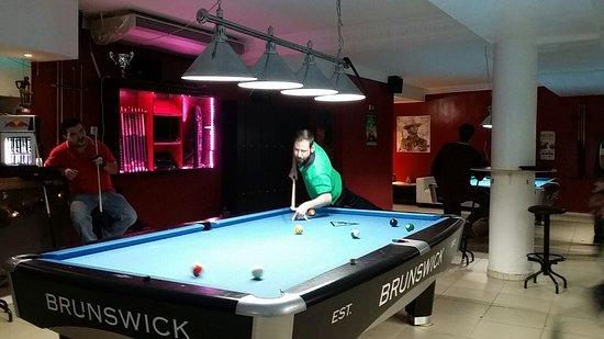 Cuarteles 66 Sport bar