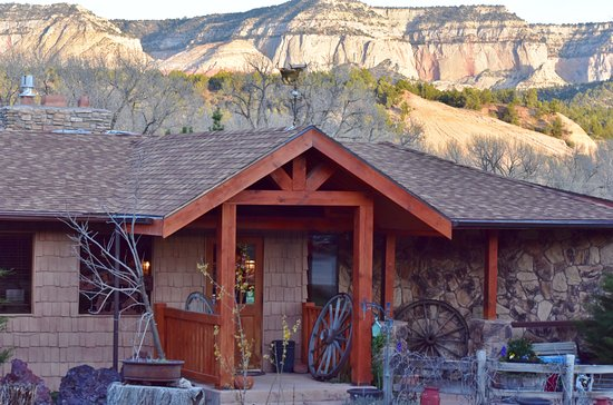 Mount Carmel, UT: The main lodge at Arrowhead