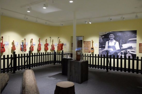 Old State House Museum: Guitars of Ed Stillery