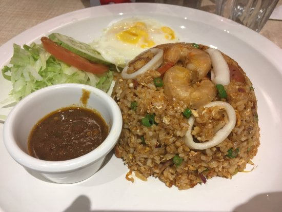 Mammam Deliveries: Tom yum fried rice (spicy)