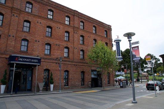 Holiday Inn Express Hotel & Suites San Francisco Fisherman