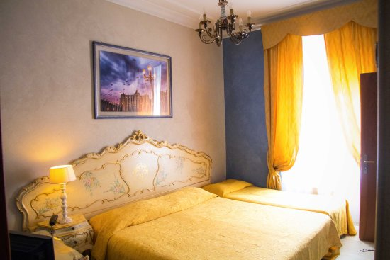 Villa San Lorenzo Maria Hotel: This is our room, a queen and a roll away single