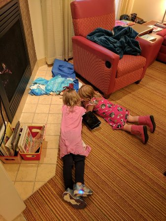 Residence Inn Helena: Kids in front of the fireplace.