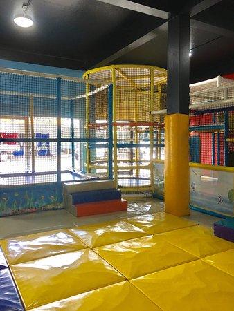 Mount Tyson Hotel: Indoor Playground