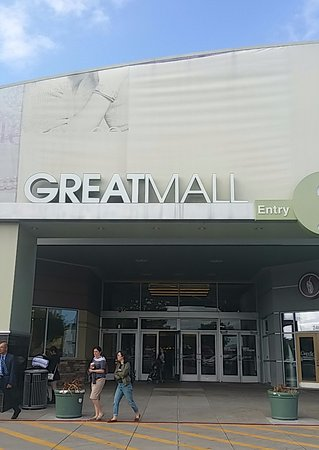 Milpitas, CA: As the mall is huge, do note the entrance numbers.