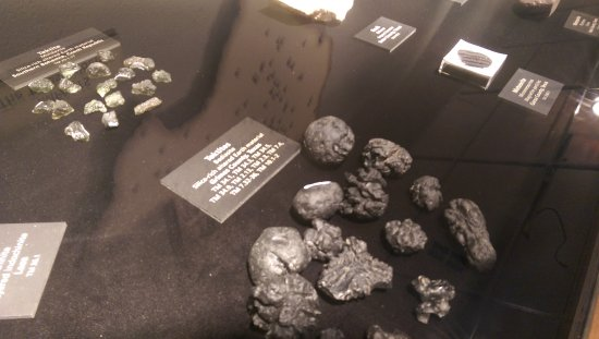 Texas Memorial Museum: Great tektite collection