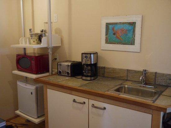 Sechelt, Canadá: Breakfast bar in the Retreat