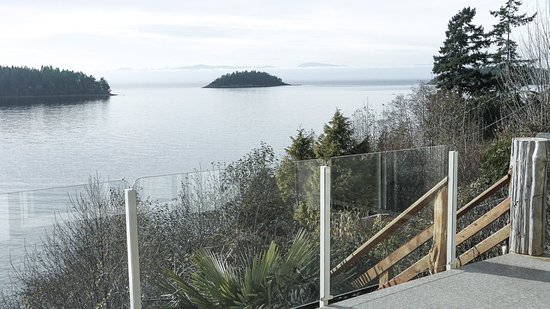 Sechelt, Канада: Retreat Deck view towards the North West