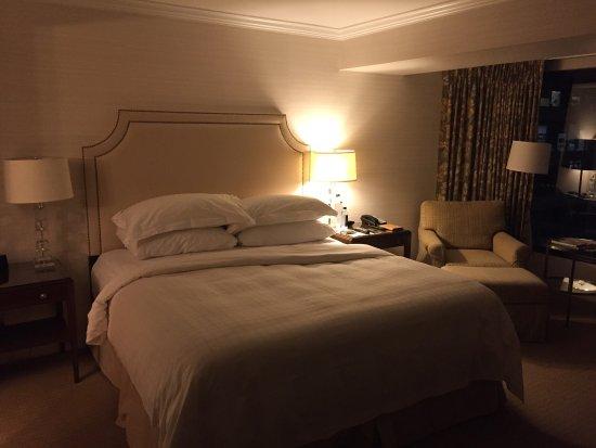 Four Seasons Hotel Vancouver: photo0.jpg