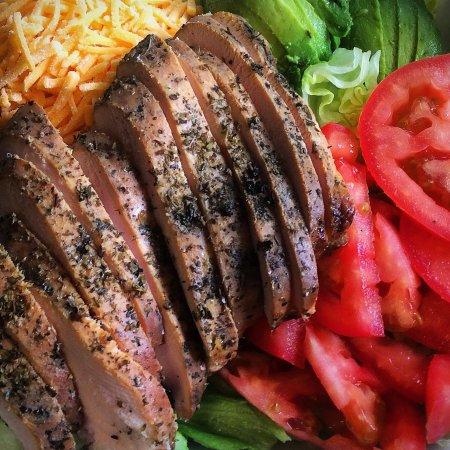 Albany, Орегон: Smoked Chicken Club Salad