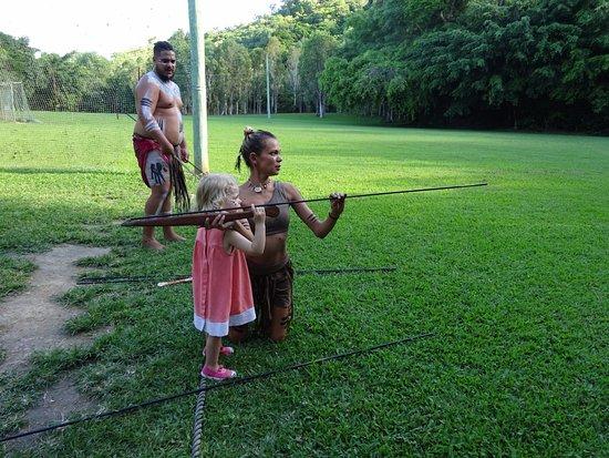 Caravonica, Australia: enseignement de la lance