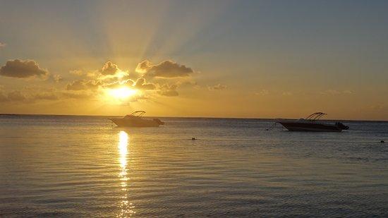 Easy Dive Mauritius: couche de soleil au morne brabant