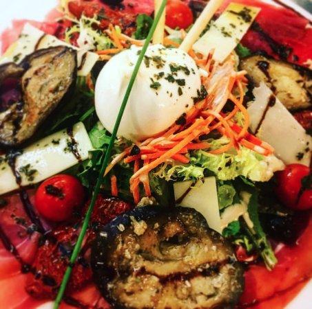 Vitrolles, Frankrig: Salade l'Agora !!!
