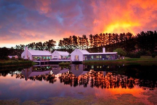 Durbanville, แอฟริกาใต้: Sunset at Cassia