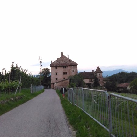 Appiano sulla Strada del Vino, Italy: Vista esterna