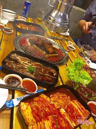 Ba Ria-Vung Tau Province, Vietnam: nướng tại bàn