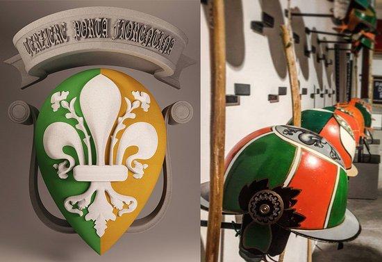 Museo di Contrada Terziere Porta Fiorentina: Logo e scorcio interno del Museo.
