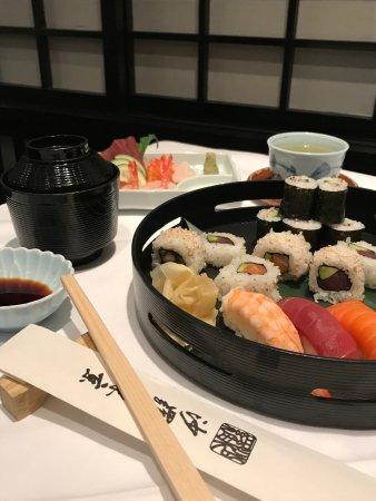 Sala of Tokyo: Sushi lunch