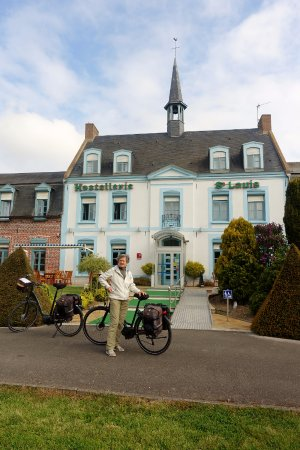 Bollezeele, France: Bycicles welcome