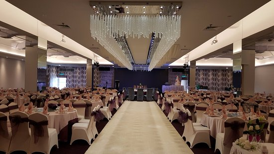 Our banquet halls with modern interior design suitable for wedding
