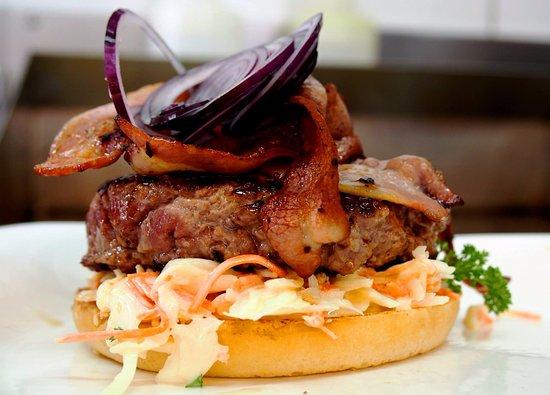 Adliswil, Ελβετία: Black Angus Burger oder liebr Kalb?