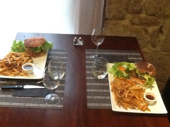 Ploeuc-sur-lie, Francja: Alter burger