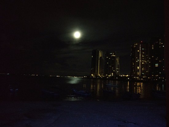 8 Boutique By The Sea Hotel: night view at the beach