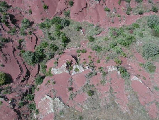 Lac du Salagou: Salagou entre terres rouges et nature
