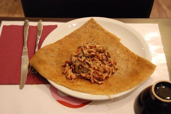 Sene, France: Lardons à la crème et champignong