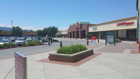 Gilroy, Californië: Sprawling outlet.