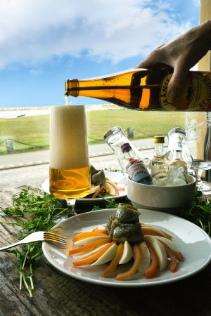 Simrishamn, Suecia: Home made herring local beer and snapps