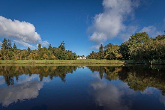 Mohill, Ireland: Lough Rynn Castle Lake View