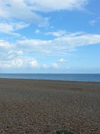 Littlestone-on-Sea, UK: Not a sandy beach