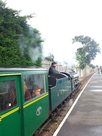 Littlestone-on-Sea, UK: Stop off at one of the stations with cafe and souvenirs