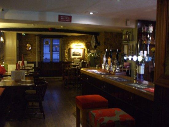Bicester, UK: Bar & dining