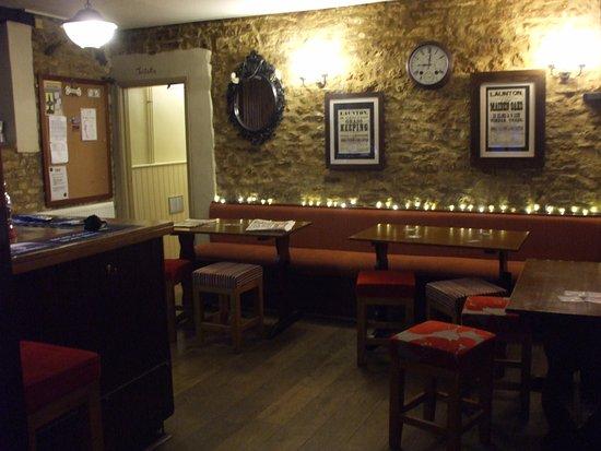 Bicester, UK: bar