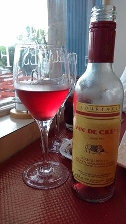 Restaurant Aspendos : Vin de Crète, à consommer avec modération.
