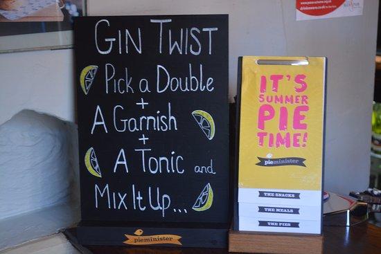 Thame, UK: Gin Twist