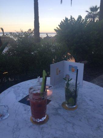 Gran Melia Don Pepe: Cocktails at cappuccino 'boardwalk' bar