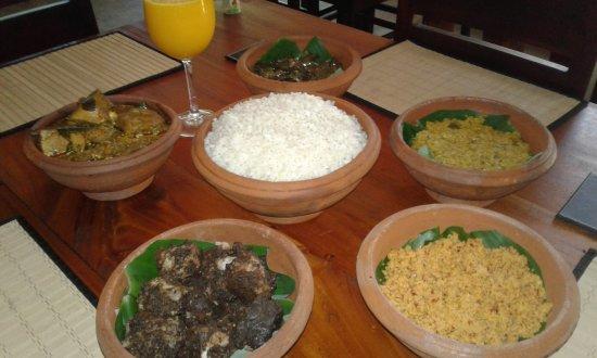 Ratnapura, Sri Lanka: Typical local menu