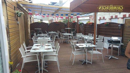 Yport, France: Notre terrassse décorée pour le 14 Juillet