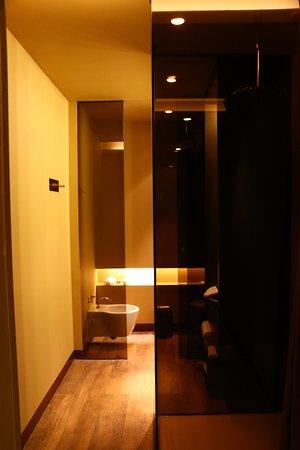 Hotel Teatro Porto : Bathroom