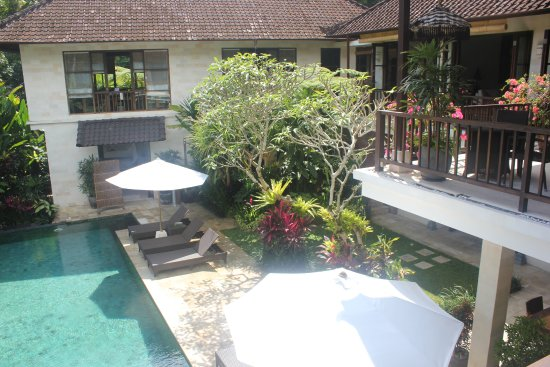 Villa Saraswati: View of the pool from the Lotus room