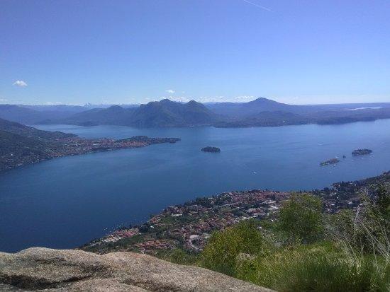 Tourist Information Centre: Panoramica dal Monte Camoscio
